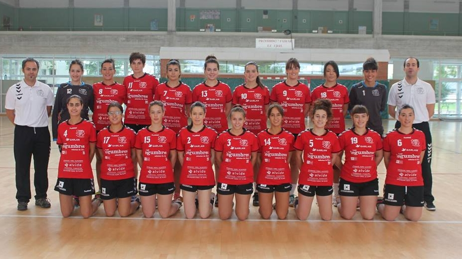 equipo balonmano femenino sansomendi